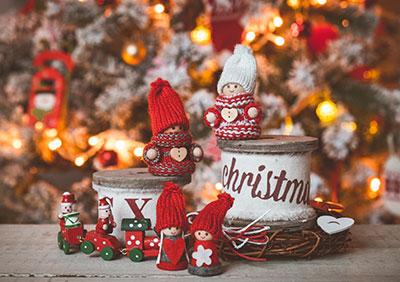 af4e39790e3 Hvis du elsker julenisser, så kan du finde inspiration til nyt julepynt her.